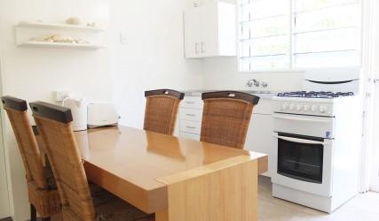 Affordable Northern Beaches Accomodation – Cairns Beaches - Villa Marine Beach Apartment