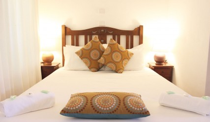 cairns accommodation near airport - Villa Marine Tropical Apartment