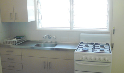 Cheap Accommodation Cairns - Villa Marine Budget Apartment
